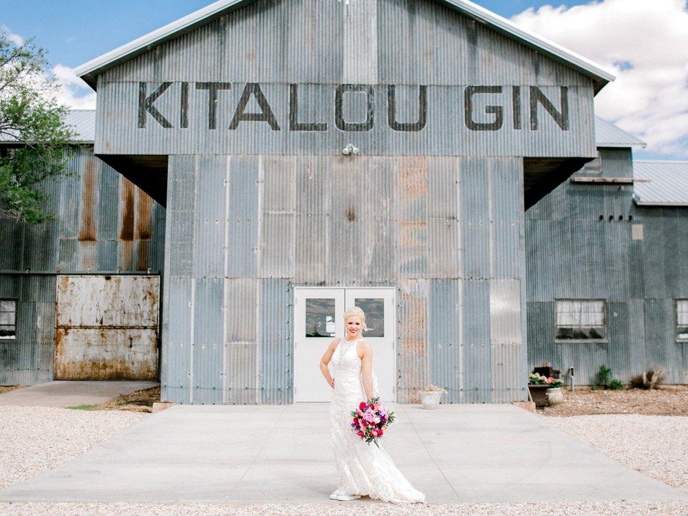 Jenna-and-garrett-Everett-kitalou-gin-lubbock-wedding-dayspring-designs-lubbock-wedding-photographer_0043.jpg