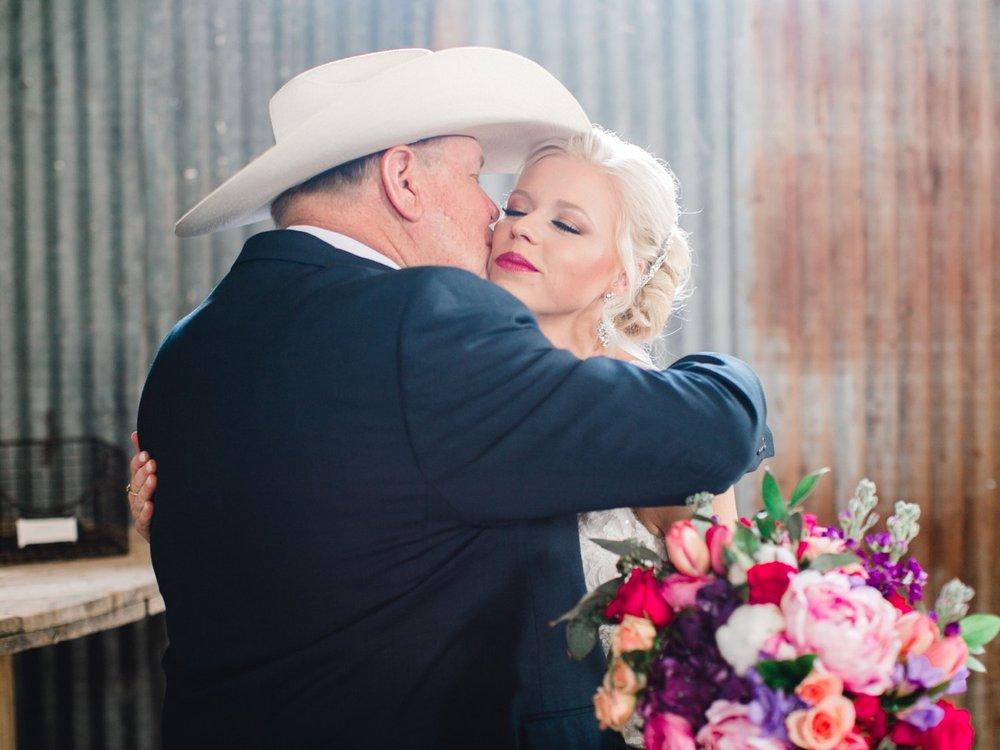 Jenna-and-garrett-Everett-kitalou-gin-lubbock-wedding-dayspring-designs-lubbock-wedding-photographer_0052.jpg