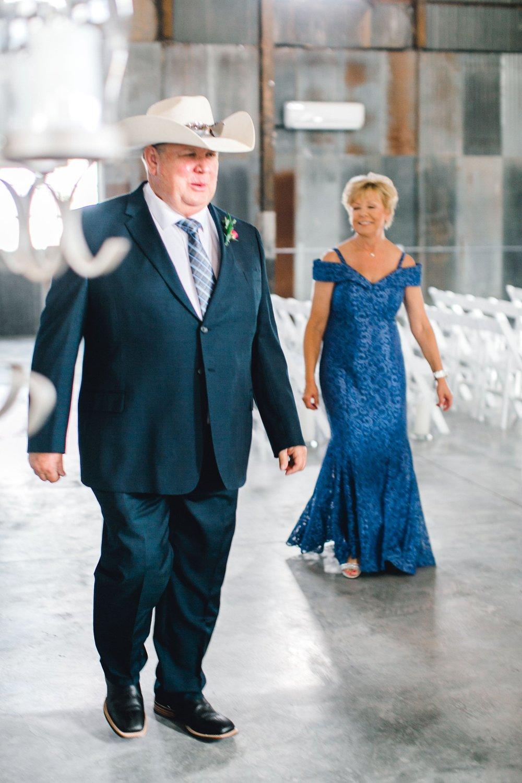 Jenna-and-garrett-Everett-kitalou-gin-lubbock-wedding-dayspring-designs-lubbock-wedding-photographer_0051.jpg