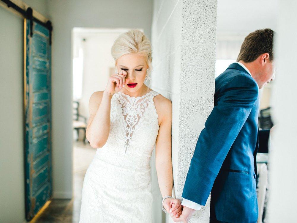 Jenna-and-garrett-Everett-kitalou-gin-lubbock-wedding-dayspring-designs-lubbock-wedding-photographer_0071.jpg