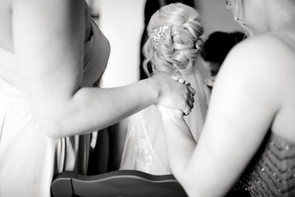 Jenna-and-garrett-Everett-kitalou-gin-lubbock-wedding-dayspring-designs-lubbock-wedding-photographer_0074.jpg