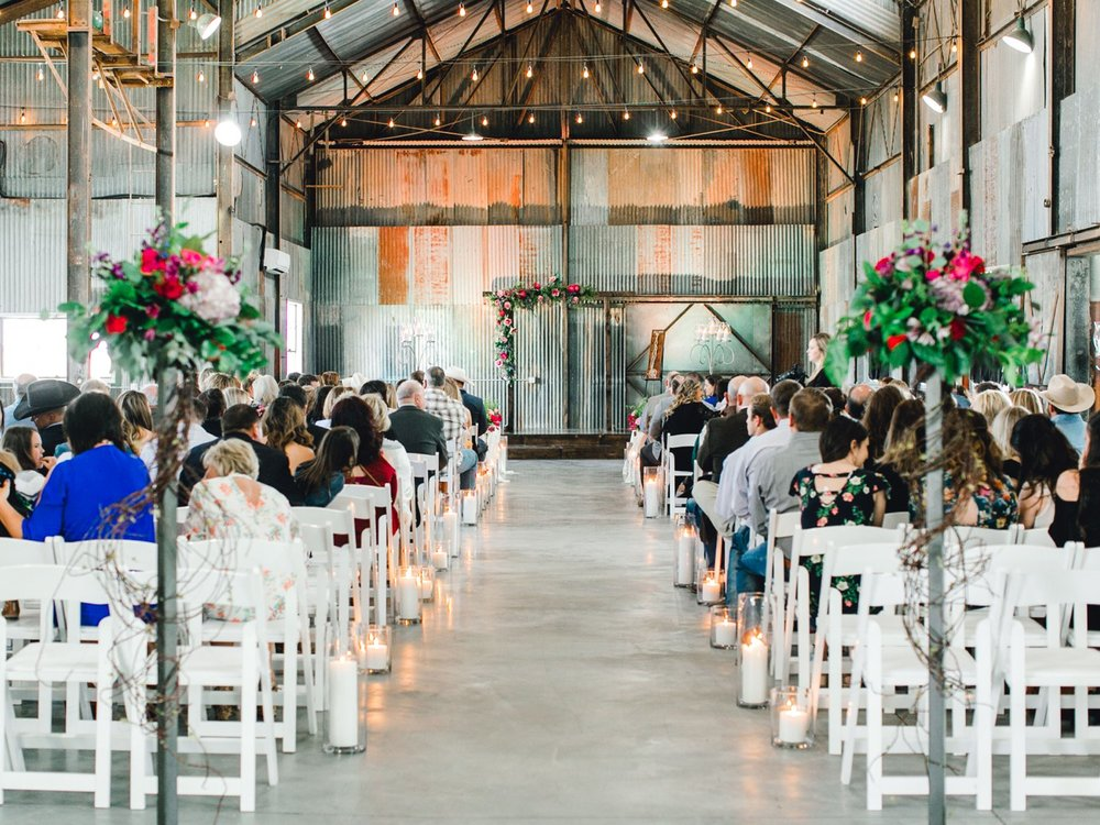 Jenna-and-garrett-Everett-kitalou-gin-lubbock-wedding-dayspring-designs-lubbock-wedding-photographer_0078.jpg