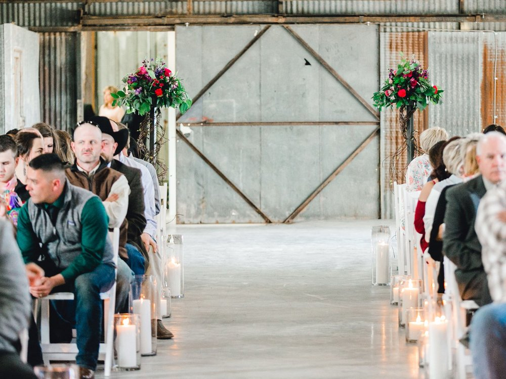 Jenna-and-garrett-Everett-kitalou-gin-lubbock-wedding-dayspring-designs-lubbock-wedding-photographer_0081.jpg