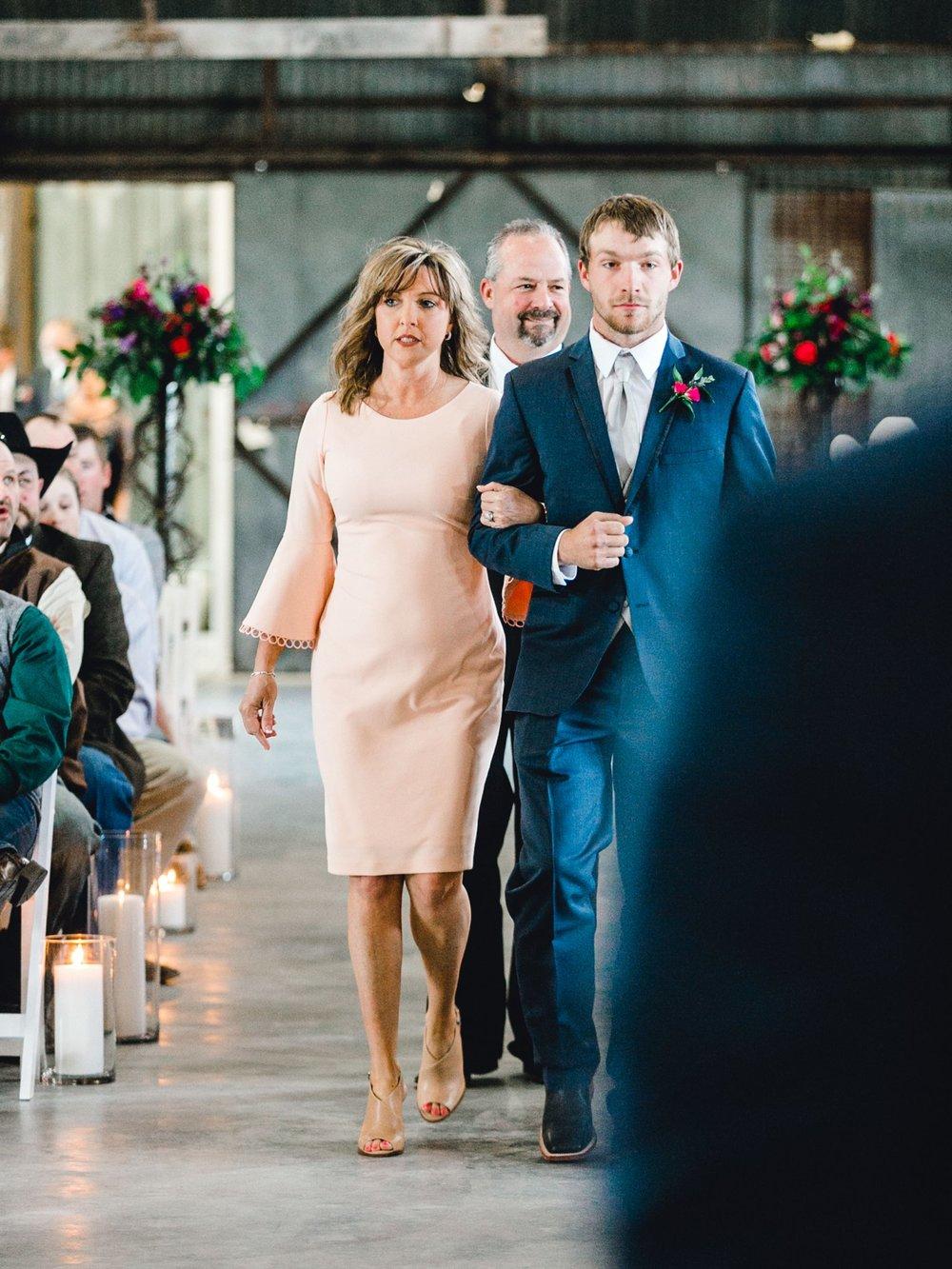 Jenna-and-garrett-Everett-kitalou-gin-lubbock-wedding-dayspring-designs-lubbock-wedding-photographer_0083.jpg