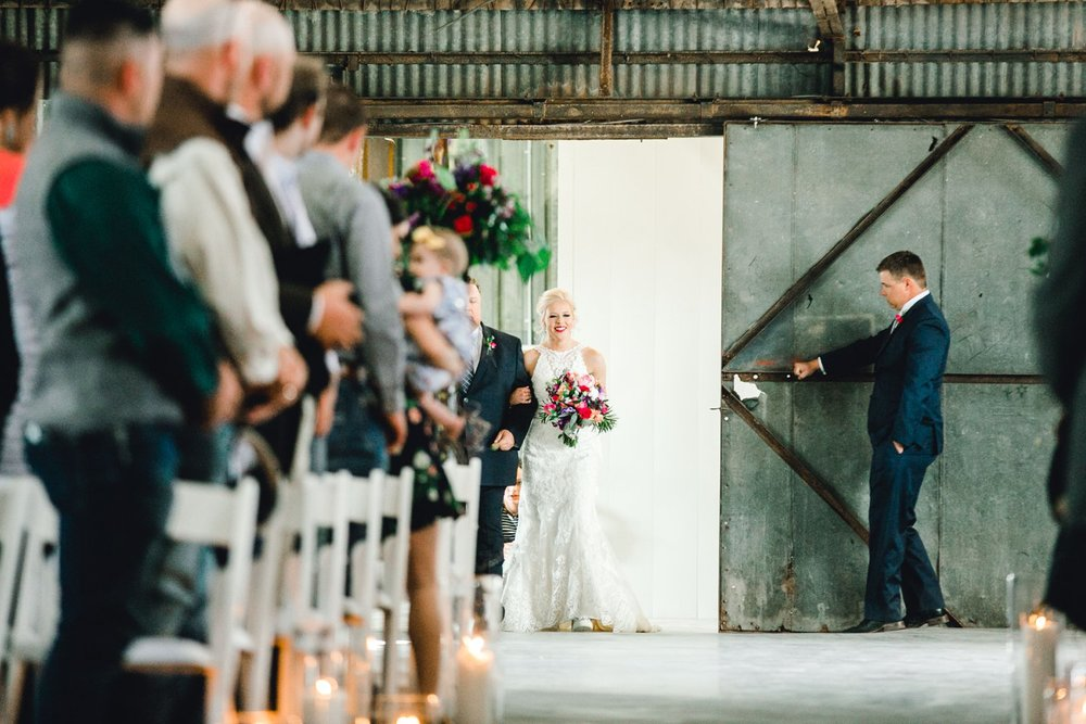 Jenna-and-garrett-Everett-kitalou-gin-lubbock-wedding-dayspring-designs-lubbock-wedding-photographer_0088.jpg