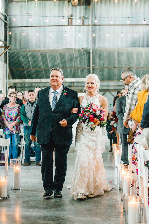 Jenna-and-garrett-Everett-kitalou-gin-lubbock-wedding-dayspring-designs-lubbock-wedding-photographer_0090.jpg