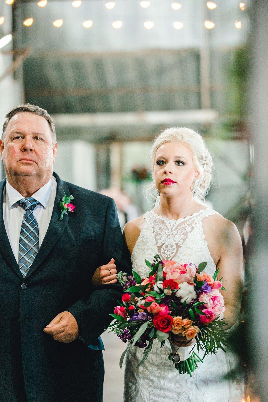 Jenna-and-garrett-Everett-kitalou-gin-lubbock-wedding-dayspring-designs-lubbock-wedding-photographer_0093.jpg