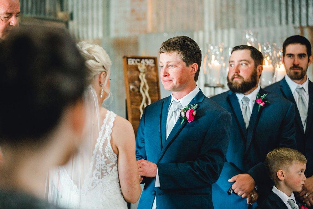 Jenna-and-garrett-Everett-kitalou-gin-lubbock-wedding-dayspring-designs-lubbock-wedding-photographer_0097.jpg