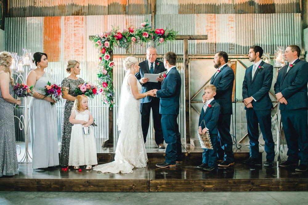Jenna-and-garrett-Everett-kitalou-gin-lubbock-wedding-dayspring-designs-lubbock-wedding-photographer_0100.jpg