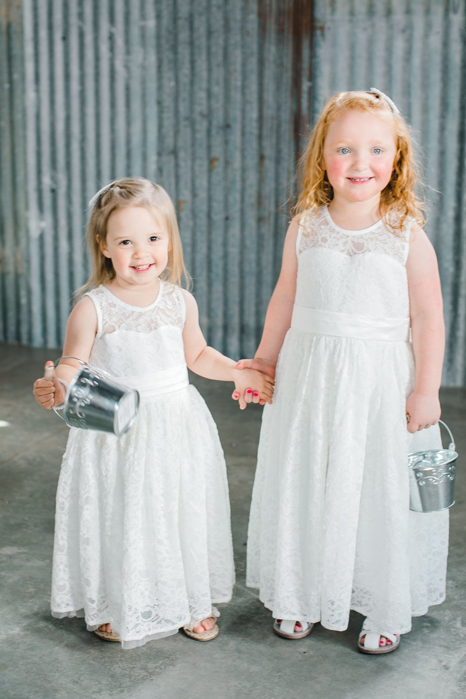 Jenna-and-garrett-Everett-kitalou-gin-lubbock-wedding-dayspring-designs-lubbock-wedding-photographer_0109.jpg
