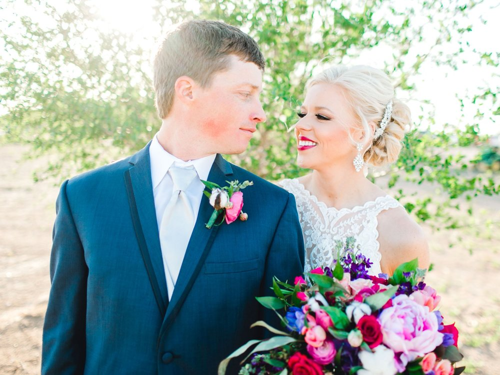 Jenna-and-garrett-Everett-kitalou-gin-lubbock-wedding-dayspring-designs-lubbock-wedding-photographer_0117.jpg