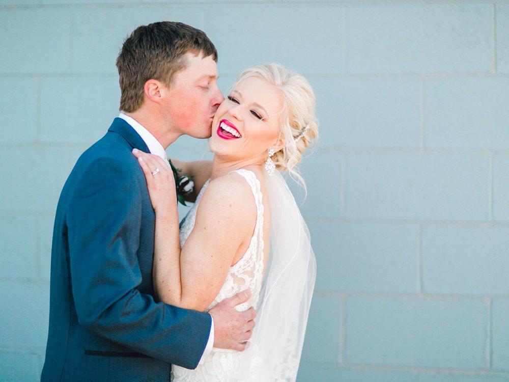 Jenna-and-garrett-Everett-kitalou-gin-lubbock-wedding-dayspring-designs-lubbock-wedding-photographer_0119.jpg