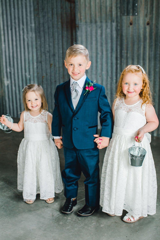 Jenna-and-garrett-Everett-kitalou-gin-lubbock-wedding-dayspring-designs-lubbock-wedding-photographer_0118.jpg