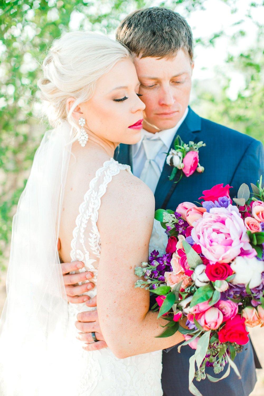 Jenna-and-garrett-Everett-kitalou-gin-lubbock-wedding-dayspring-designs-lubbock-wedding-photographer_0122.jpg
