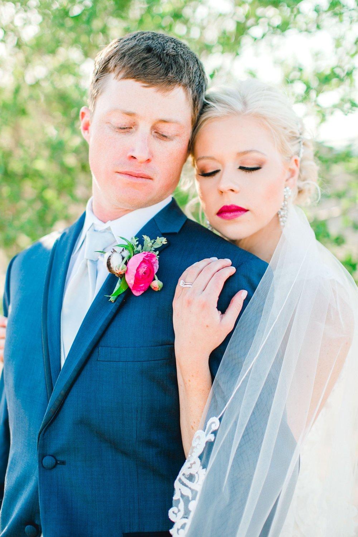 Jenna-and-garrett-Everett-kitalou-gin-lubbock-wedding-dayspring-designs-lubbock-wedding-photographer_0131.jpg