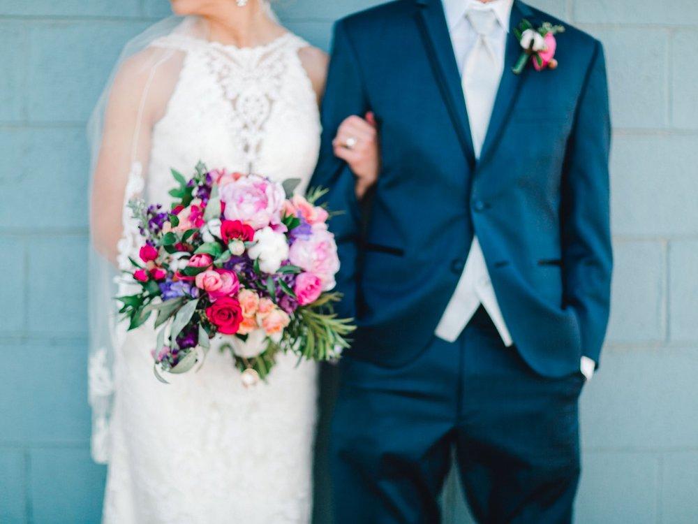 Jenna-and-garrett-Everett-kitalou-gin-lubbock-wedding-dayspring-designs-lubbock-wedding-photographer_0133.jpg