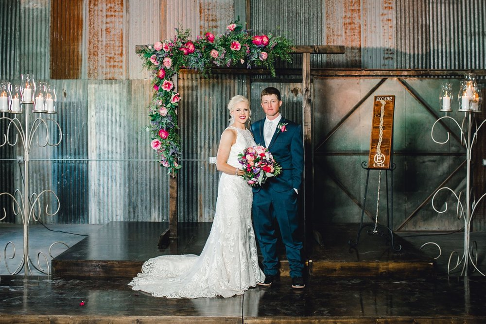 Jenna-and-garrett-Everett-kitalou-gin-lubbock-wedding-dayspring-designs-lubbock-wedding-photographer_0136.jpg