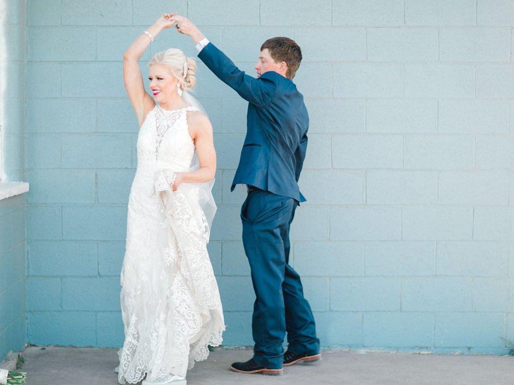 Jenna-and-garrett-Everett-kitalou-gin-lubbock-wedding-dayspring-designs-lubbock-wedding-photographer_0138.jpg