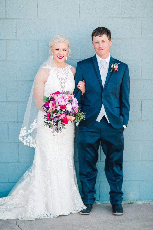 Jenna-and-garrett-Everett-kitalou-gin-lubbock-wedding-dayspring-designs-lubbock-wedding-photographer_0137.jpg