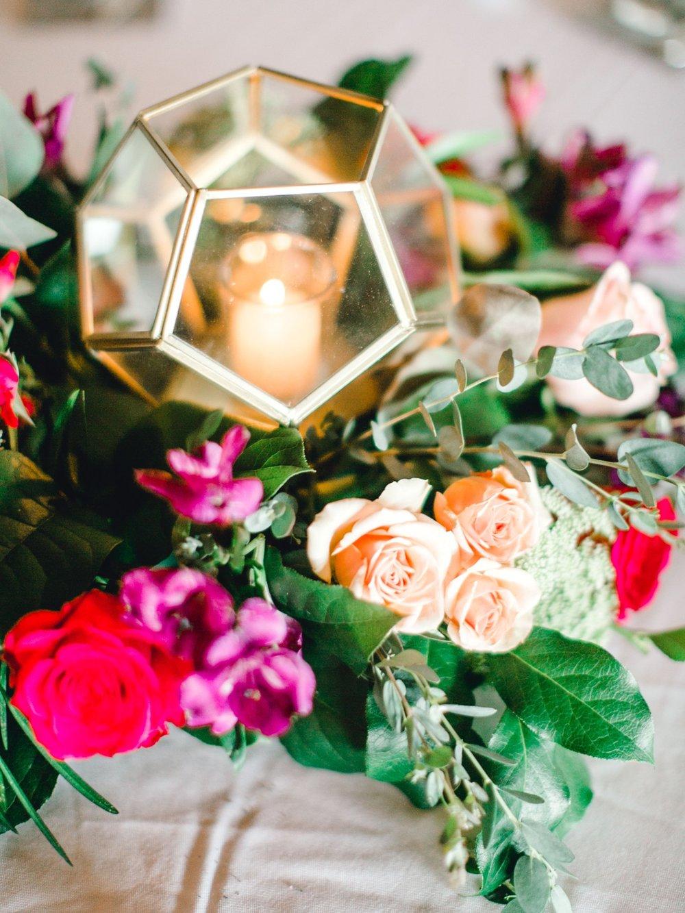 Jenna-and-garrett-Everett-kitalou-gin-lubbock-wedding-dayspring-designs-lubbock-wedding-photographer_0139.jpg