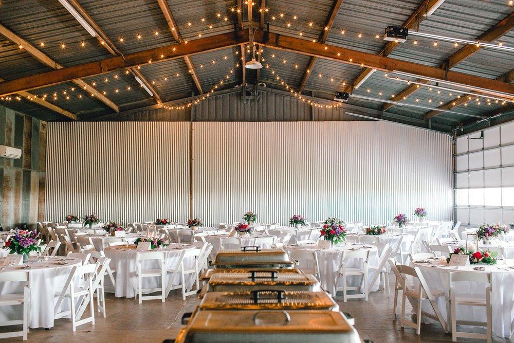 Jenna-and-garrett-Everett-kitalou-gin-lubbock-wedding-dayspring-designs-lubbock-wedding-photographer_0150.jpg
