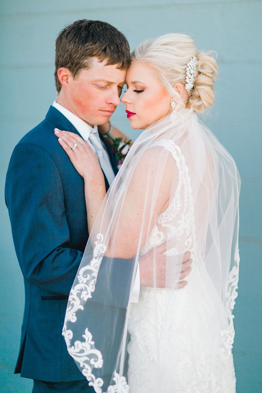 Jenna-and-garrett-Everett-kitalou-gin-lubbock-wedding-dayspring-designs-lubbock-wedding-photographer_0153.jpg