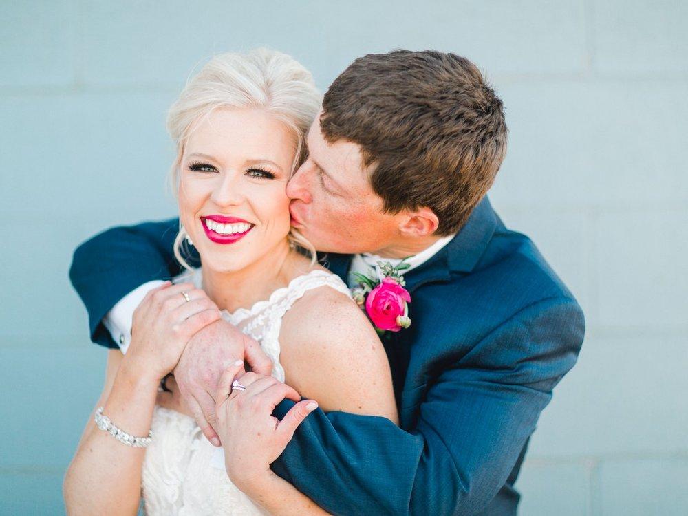 Jenna-and-garrett-Everett-kitalou-gin-lubbock-wedding-dayspring-designs-lubbock-wedding-photographer_0155.jpg