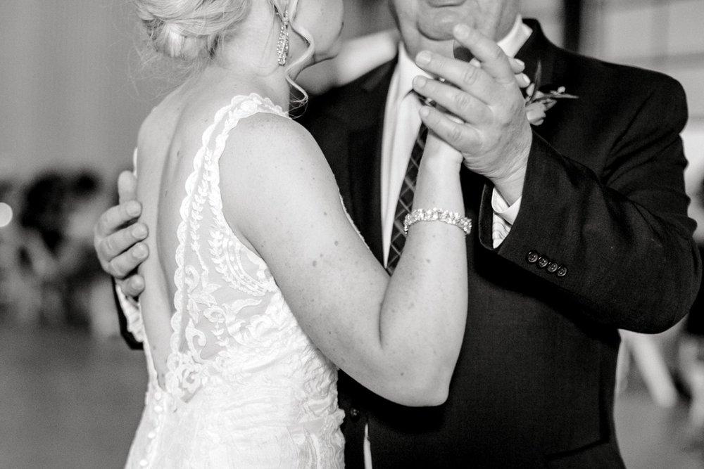 Jenna-and-garrett-Everett-kitalou-gin-lubbock-wedding-dayspring-designs-lubbock-wedding-photographer_0169.jpg