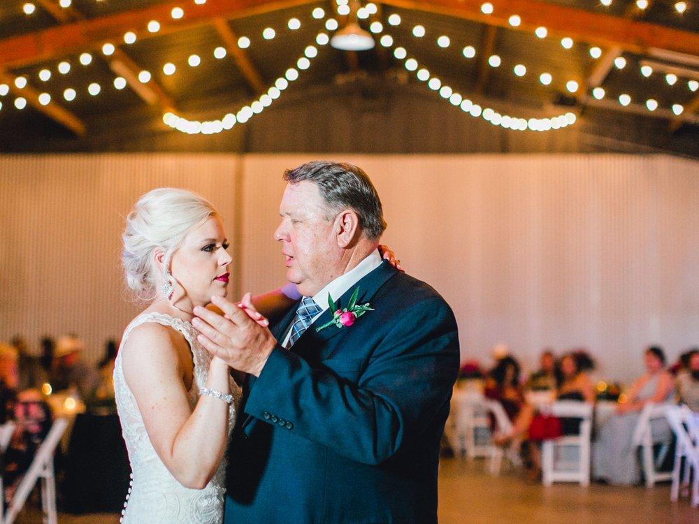 Jenna-and-garrett-Everett-kitalou-gin-lubbock-wedding-dayspring-designs-lubbock-wedding-photographer_0170.jpg