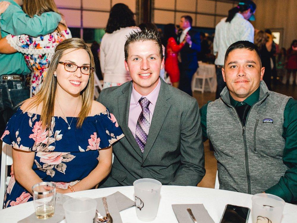 Jenna-and-garrett-Everett-kitalou-gin-lubbock-wedding-dayspring-designs-lubbock-wedding-photographer_0187.jpg