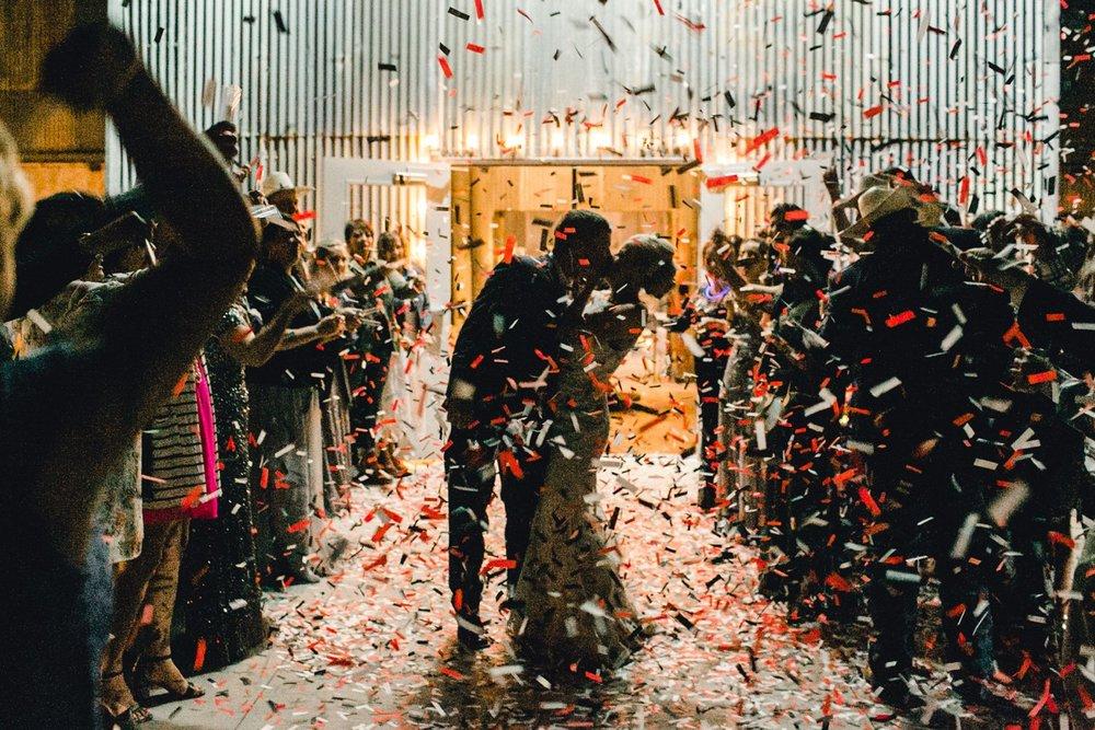 Jenna-and-garrett-Everett-kitalou-gin-lubbock-wedding-dayspring-designs-lubbock-wedding-photographer_0191.jpg