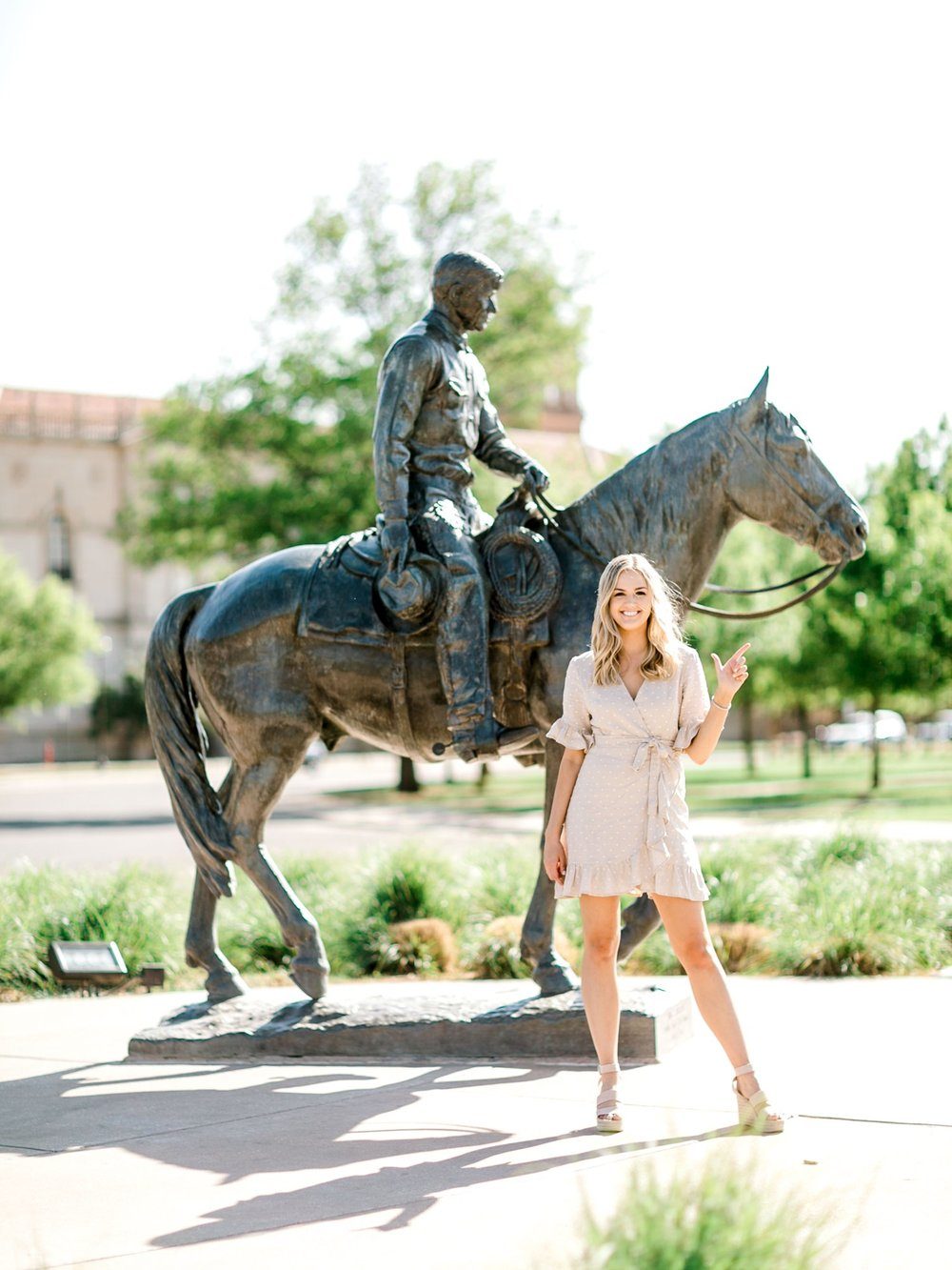 Darby_Atwood_ALLEEJ_Lubbock_Senior_Photographer_Texas_Tech_University_0006.jpg