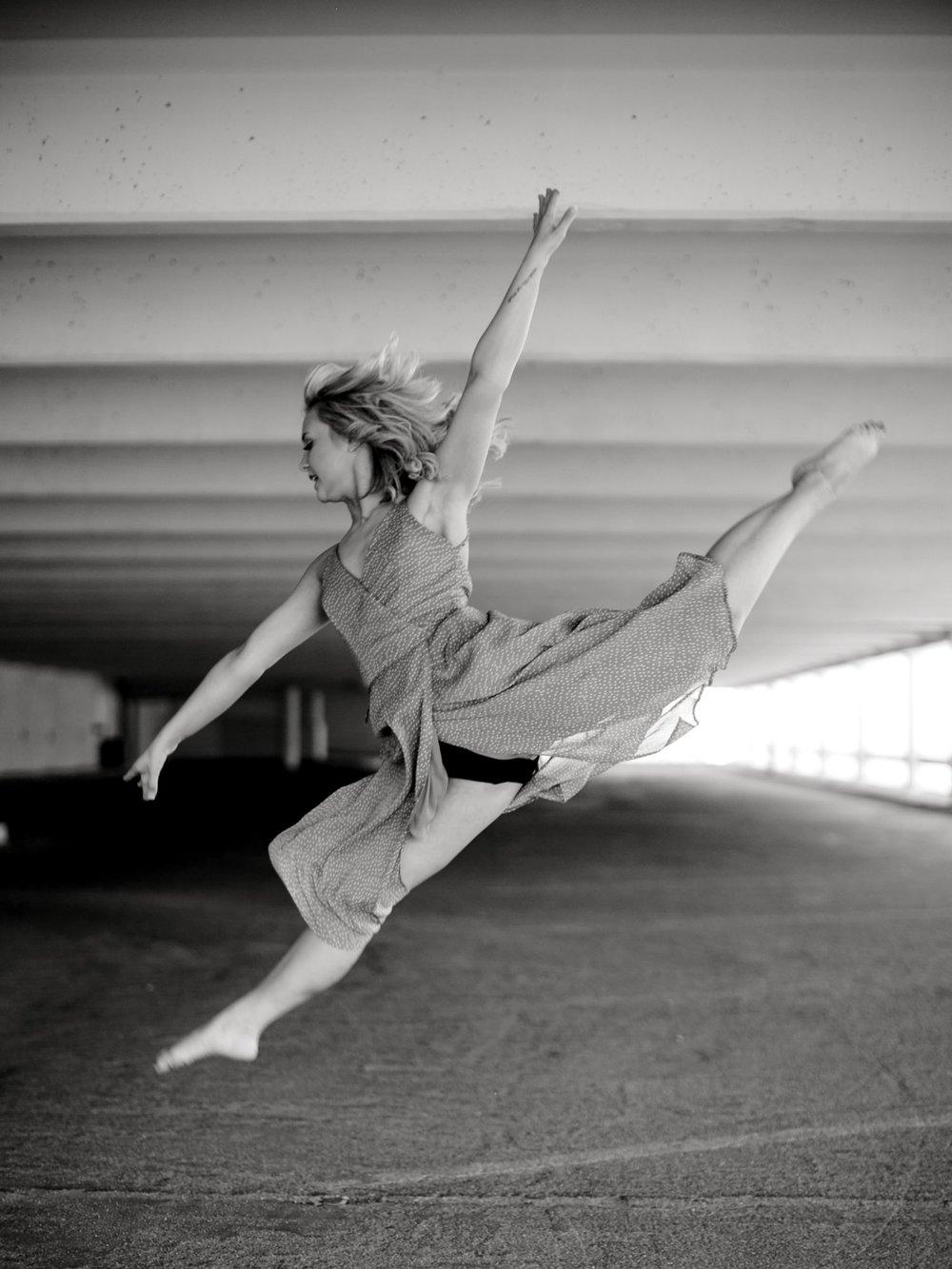 Abigail_Lokey_ALLEEJ_Lubbock_Senior_Photographer0014.jpg