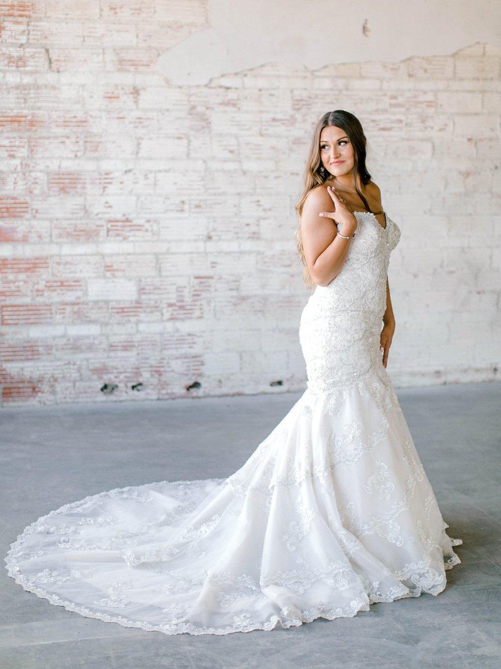 Kendra_Hill_Bridals_ALLEEJ_Lubbock_Wedding_Photographer_LHUCA_0012.jpg