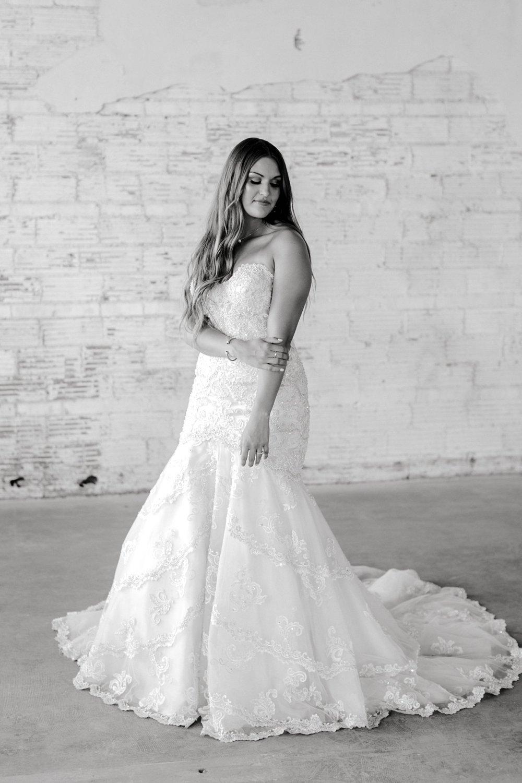 Kendra_Hill_Bridals_ALLEEJ_Lubbock_Wedding_Photographer_LHUCA_0019.jpg