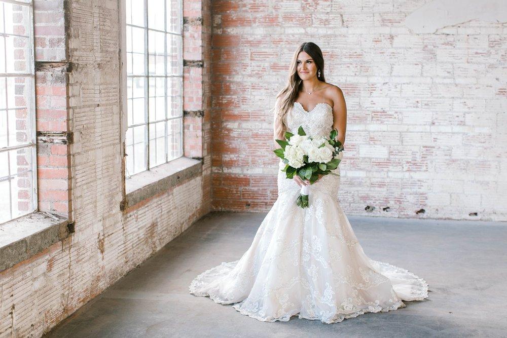 Kendra_Hill_Bridals_ALLEEJ_Lubbock_Wedding_Photographer_LHUCA_0023.jpg