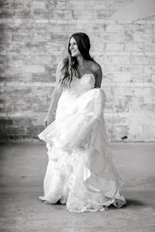 Kendra_Hill_Bridals_ALLEEJ_Lubbock_Wedding_Photographer_LHUCA_0027.jpg
