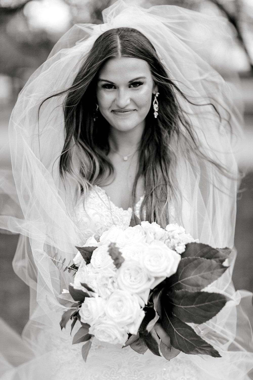 Kendra_Hill_Bridals_ALLEEJ_Lubbock_Wedding_Photographer_LHUCA_0050.jpg