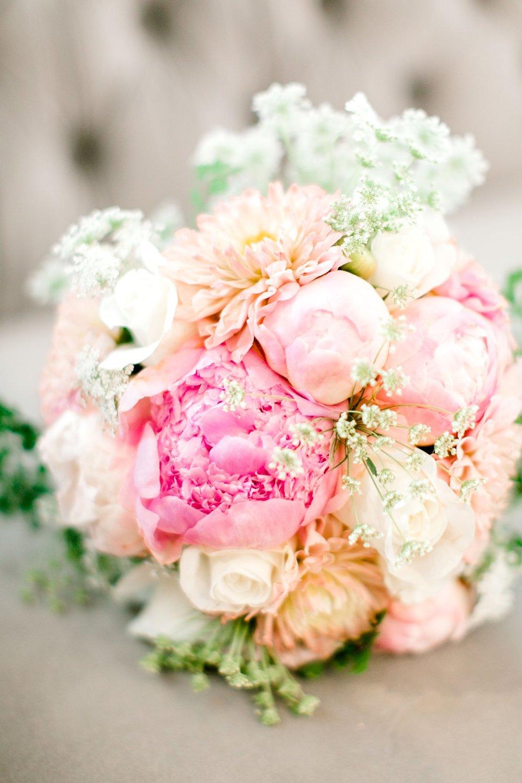 Aleah_and_Rowdy_Fenwick_Hidden_Creek_Events_Heath_Texas_Lubbock_Photographer_ALLEEJ_Weddings_0004.jpg