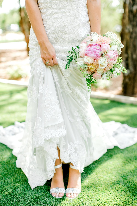 Aleah_and_Rowdy_Fenwick_Hidden_Creek_Events_Heath_Texas_Lubbock_Photographer_ALLEEJ_Weddings_0017.jpg