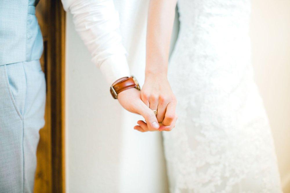 Aleah_and_Rowdy_Fenwick_Hidden_Creek_Events_Heath_Texas_Lubbock_Photographer_ALLEEJ_Weddings_0041.jpg