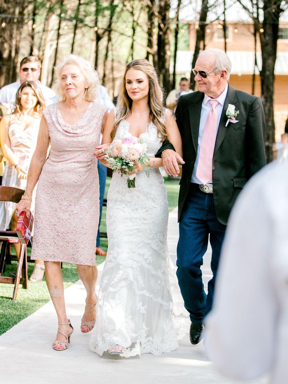Aleah_and_Rowdy_Fenwick_Hidden_Creek_Events_Heath_Texas_Lubbock_Photographer_ALLEEJ_Weddings_0051.jpg