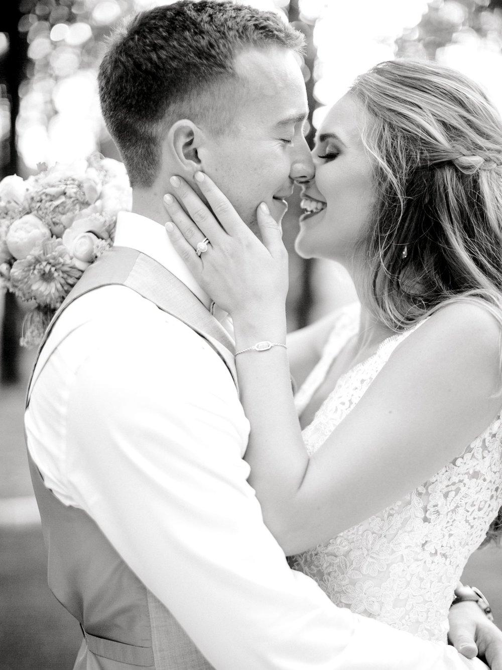 Aleah_and_Rowdy_Fenwick_Hidden_Creek_Events_Heath_Texas_Lubbock_Photographer_ALLEEJ_Weddings_0114.jpg