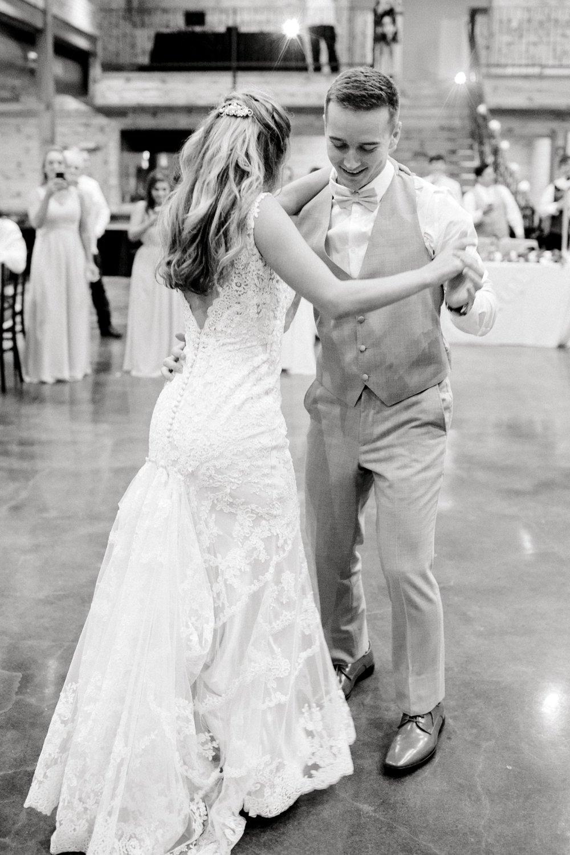 Aleah_and_Rowdy_Fenwick_Hidden_Creek_Events_Heath_Texas_Lubbock_Photographer_ALLEEJ_Weddings_0160.jpg