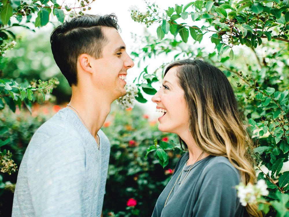 Ashley_and_John_English_ALLEEJ_Lubbock_Engagement_Photographer_0012.jpg