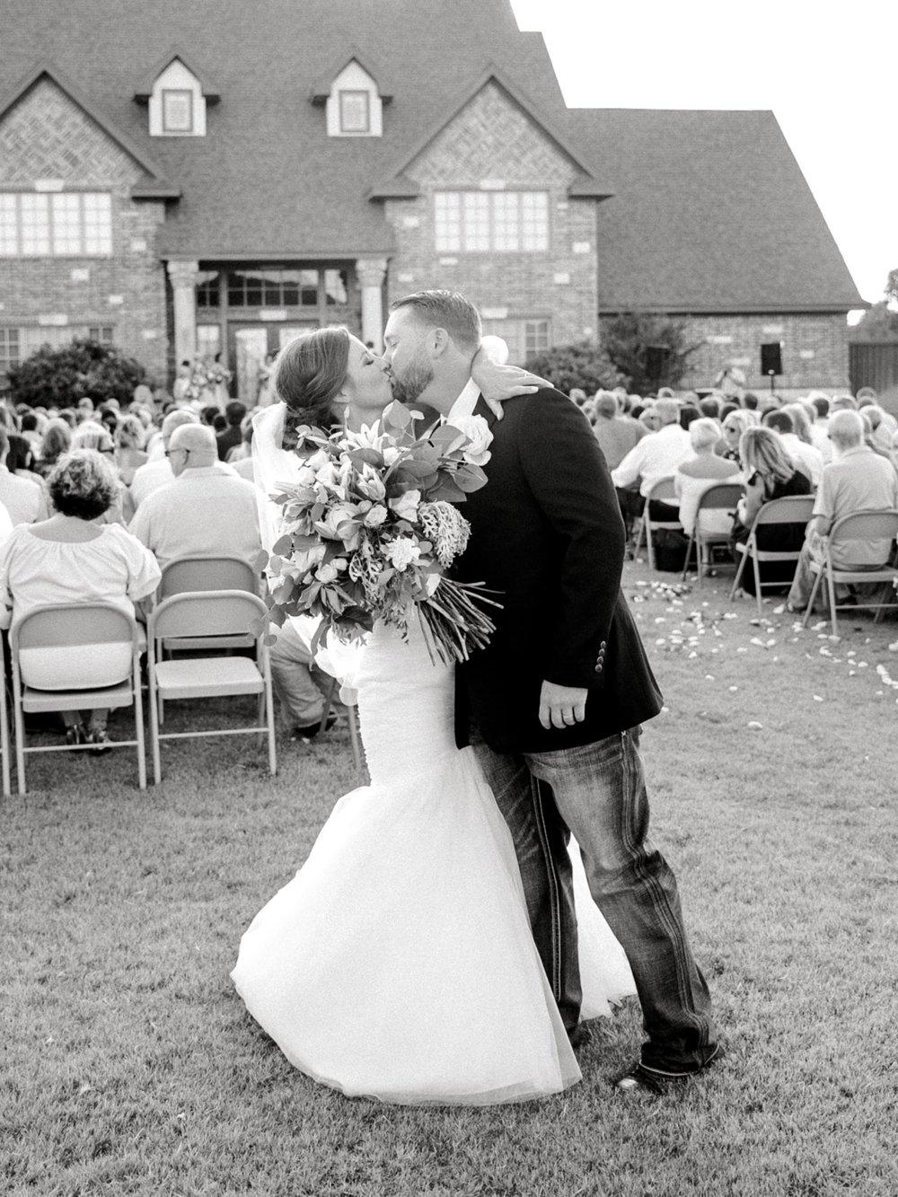 BAILEY_AND_SCOTLAND_CHURCH_ALLEEJ_LUBBOCK_WEDDING_PHOTOGRAPHER_0081.jpg