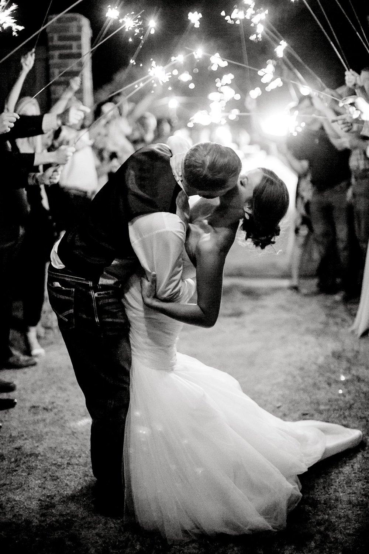 BAILEY_AND_SCOTLAND_CHURCH_ALLEEJ_LUBBOCK_WEDDING_PHOTOGRAPHER_0221.jpg