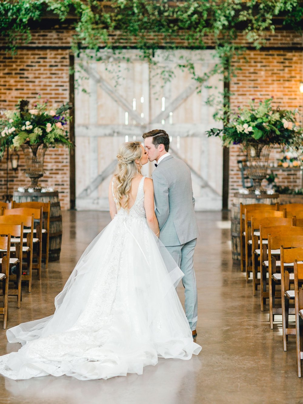 KAITLYN_AND_ZACHARY_HUNT_ALLEEJ_LUBBOCK_WEDDING_PHOTOGRAPHER_EBERLEY_BROOKS_EVENTS_0059.jpg