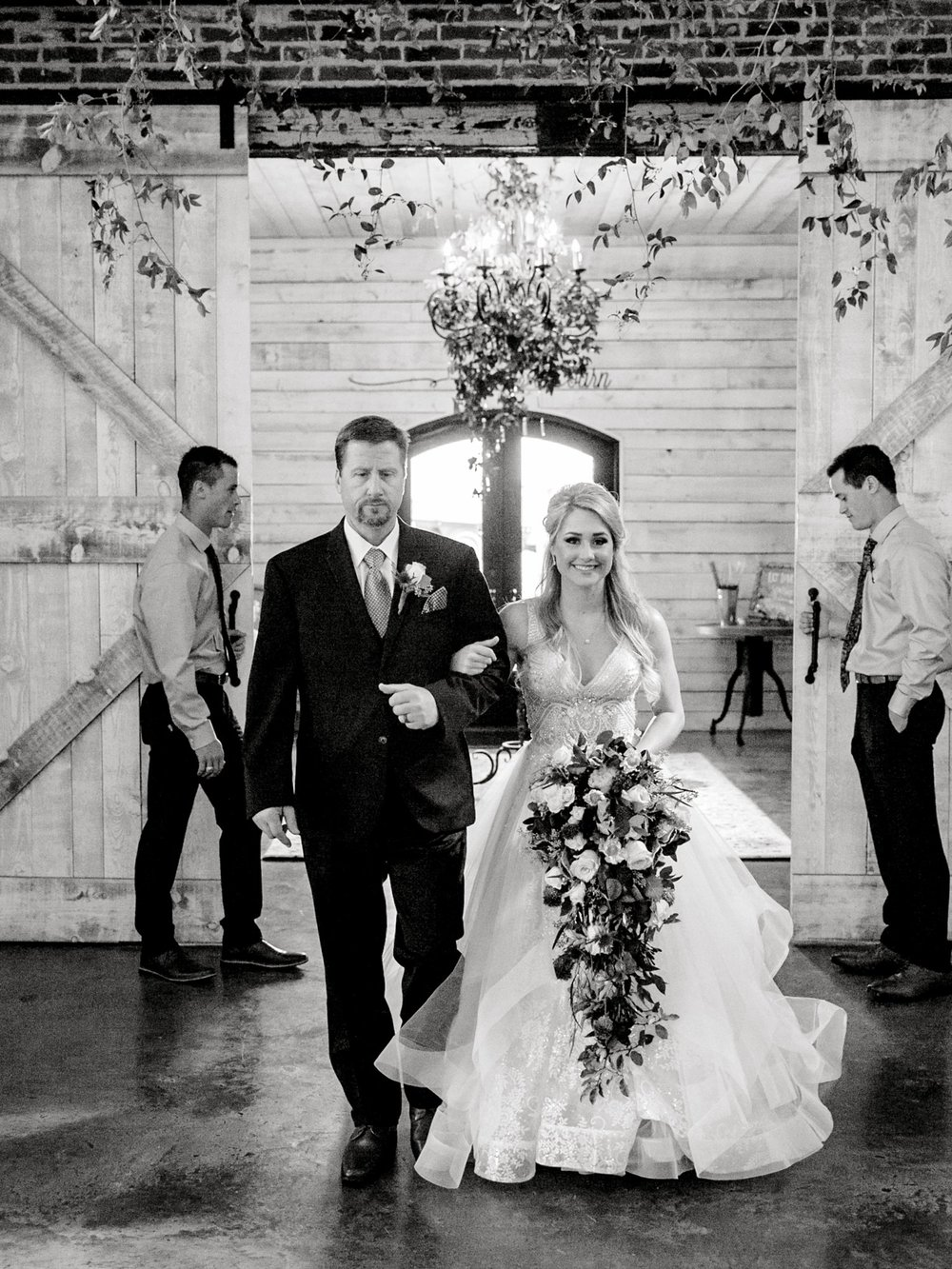 KAITLYN_AND_ZACHARY_HUNT_ALLEEJ_LUBBOCK_WEDDING_PHOTOGRAPHER_EBERLEY_BROOKS_EVENTS_0095.jpg