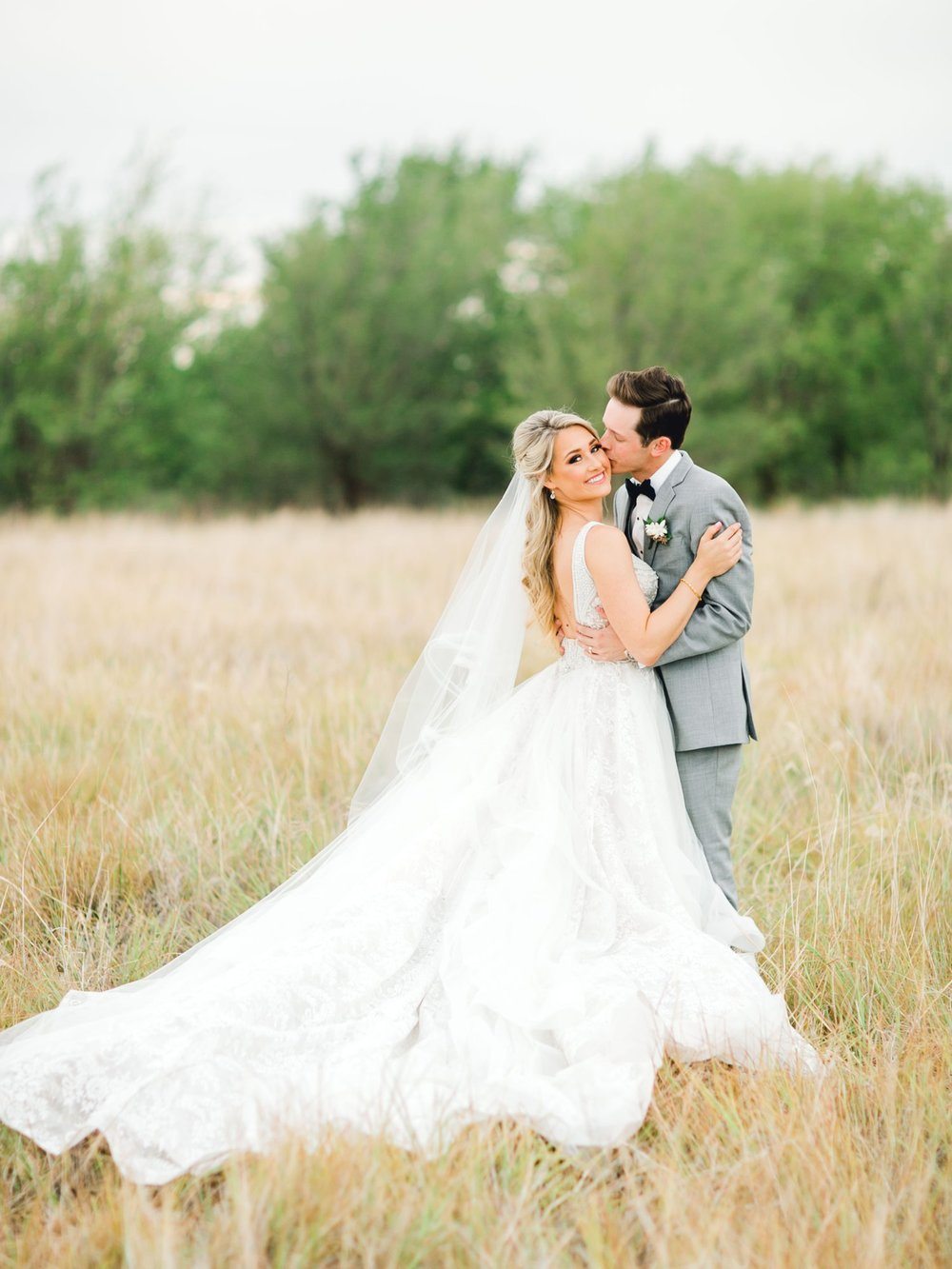 KAITLYN_AND_ZACHARY_HUNT_ALLEEJ_LUBBOCK_WEDDING_PHOTOGRAPHER_EBERLEY_BROOKS_EVENTS_0149.jpg